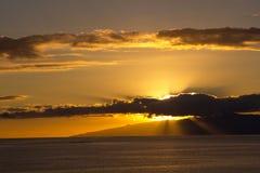 Coucher du soleil d'or sur l'océan de Ténérife Images libres de droits