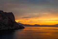 Coucher du soleil d'or sur la mer Photos libres de droits