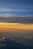 Coucher du soleil d'un avion Photo stock
