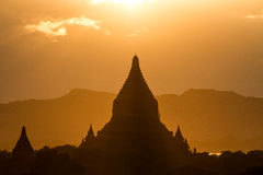 Coucher du soleil dans Bagan photo stock
