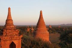 Coucher du soleil dans Bagan, Myanmar Images stock