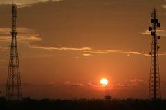 Coucher du soleil dans Blangpidie, Indonésie images stock