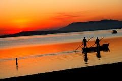 Coucher du soleil dans Cabo Frio Image libre de droits