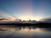 Coucher du soleil dans Chantaburi, Thaïlande Images libres de droits