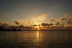 Coucher du soleil dans Cienfuegos Photo stock
