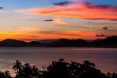 Coucher du soleil dans Guaruja Photo stock