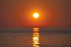 Coucher du soleil dans la baie Photo stock