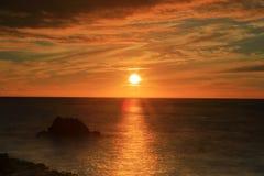Coucher du soleil dans la baie de kealakekua image stock