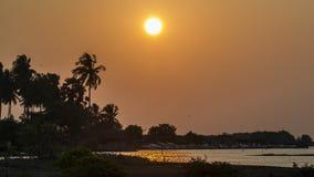 Coucher du soleil dans la lagune de Kalpitiya, Sri Lanka photos stock