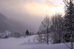 Coucher du soleil dans la montagne Photographie stock