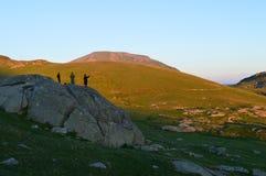 Coucher du soleil dans la montagne Photo stock