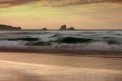 Coucher du soleil dans la plage Photo libre de droits