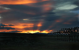 Coucher du soleil dans la steppe mongole Photographie stock libre de droits