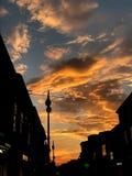 Coucher du soleil dans la ville image libre de droits