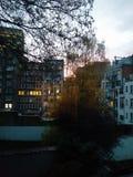 Coucher du soleil dans la ville Images stock