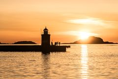 Coucher du soleil dans la ville d'Aalesund en Norvège Images libres de droits