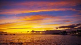Coucher du soleil dans la ville de Lahaina, Maui, Hawaï Image stock