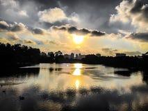 Coucher du soleil dans la ville de São Paulo Image libre de droits