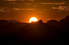 Coucher du soleil dans le canyon Photo libre de droits