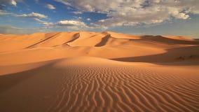 Coucher du soleil dans le désert de Gobi mongolia clips vidéos