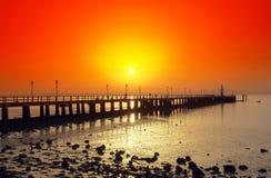Coucher du soleil dans le fleuve Photo stock