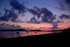 Coucher du soleil dans le gialova, geece Image stock