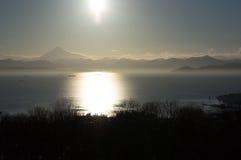 Coucher du soleil dans le Kamtchatka photo stock