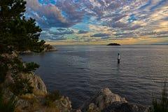 Coucher du soleil dans le nord-ouest Pacifique Images stock