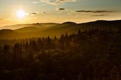 Coucher du soleil dans le regain Photo stock