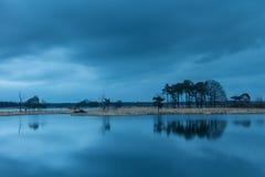 Coucher du soleil dans les marais dans Turnhout Belgique Image stock
