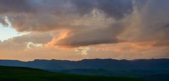Coucher du soleil dans les montagnes de Maluti Photo stock