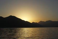 Coucher du soleil dans les montagnes de Monténégro Images stock