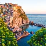 Coucher du soleil dans Manarola, Cinque Terre, Italie Images libres de droits
