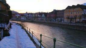 Coucher du soleil dans mauvais Ischl, Autriche banque de vidéos