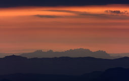 Coucher du soleil dans Montserrat Photos libres de droits