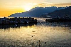 Coucher du soleil dans Napoli Italie Image libre de droits