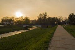 Coucher du soleil dans Pozega Photo stock