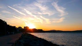 Coucher du soleil dans Primorsko Images stock