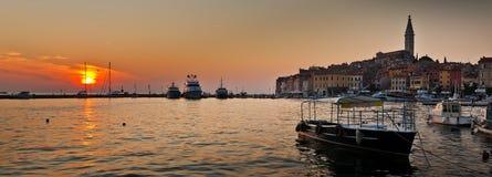 Coucher du soleil dans Rovinj, Croatie Images libres de droits
