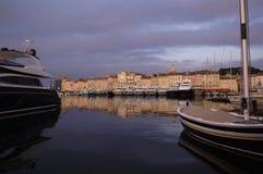 Coucher du soleil dans Saint Tropez, la Côte d'Azur Images stock