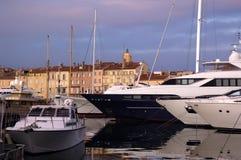 Coucher du soleil dans Saint Tropez, la Côte d'Azur Photographie stock