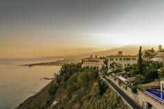 Coucher du soleil dans Taormina photos libres de droits