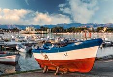 Bateaux de p che dans un petit port italien photos 29 for Dans un petit bateau