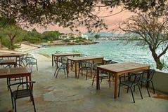 Coucher du soleil dans une terrasse méditerranéenne Photo stock