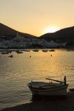Coucher du soleil dans une ville d'été de côte Brava Images stock