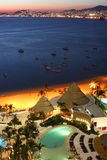 Coucher du soleil de baie d'Acapulco photo libre de droits