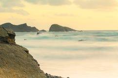 Coucher du soleil de baie de bouche de Welcombe images libres de droits