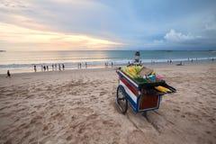 Coucher du soleil de baie de Jimbaran Photographie stock