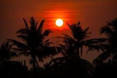 Coucher du soleil de Behide en Thaïlande Photo stock