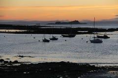 Coucher du soleil de bord de la mer Images libres de droits